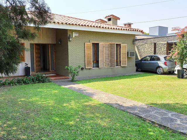 Casa Marcos Paz C/pileta y espectacular Quincho.