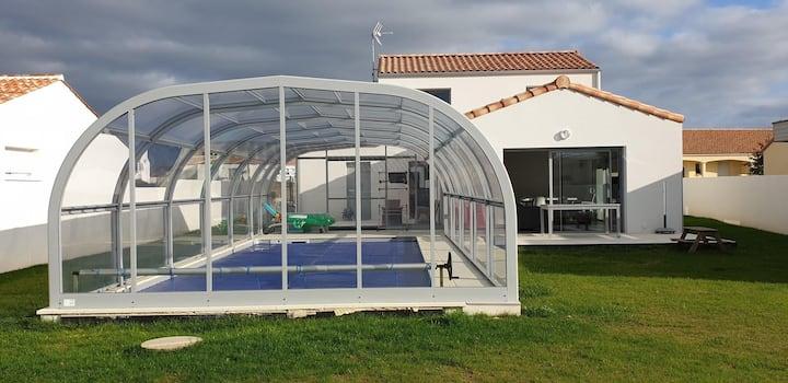 Maison familiale avec piscine chauffée 4****