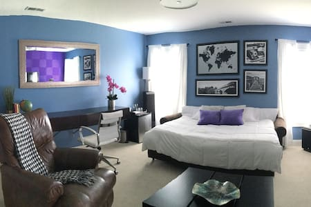 Private Room & Bath - Clean and Comfortable - Jacksonville