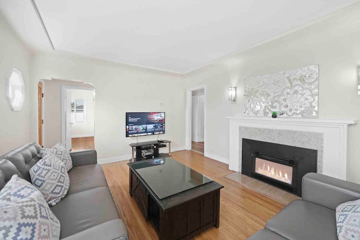 Vancouver City House -Close to YVR!Parking/Transit