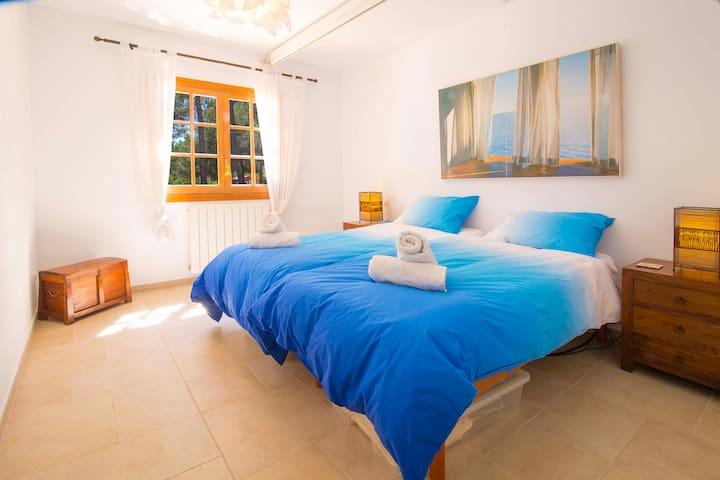 3. Habitación con dos camas individuales