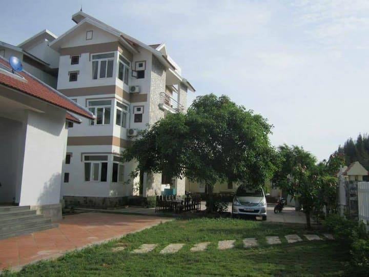 Tigon Villa - Romantic Place in Hai Tien Beach