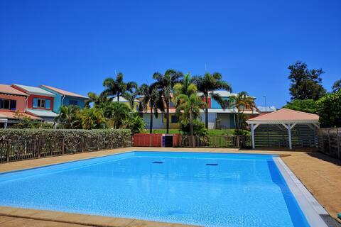 Maison tout confort, quartier prisé, plage,piscine