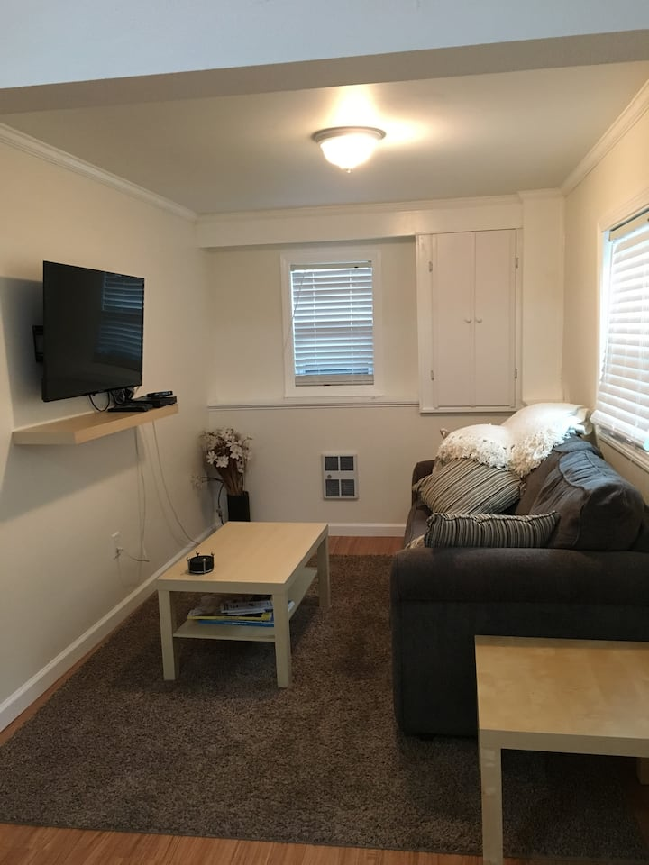 New In-Law Apartment/private entry