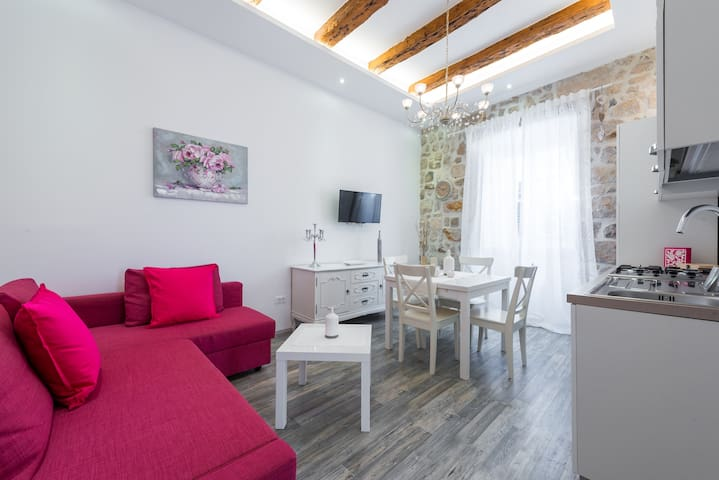 Luxury apartment 2 in Dubrovnik center!!