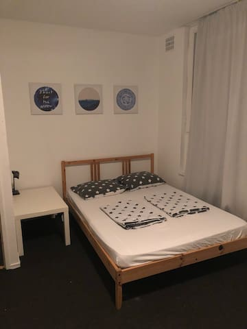 Cosy Room for 3/4 people on Java/Knsm Eiland