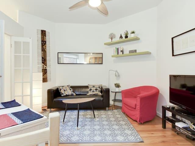 Cute Logan Circle Apartment!
