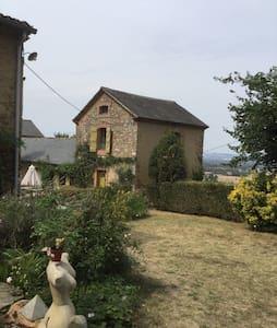 Maison avec vue panoramique -  2 chambres salon- - Ev