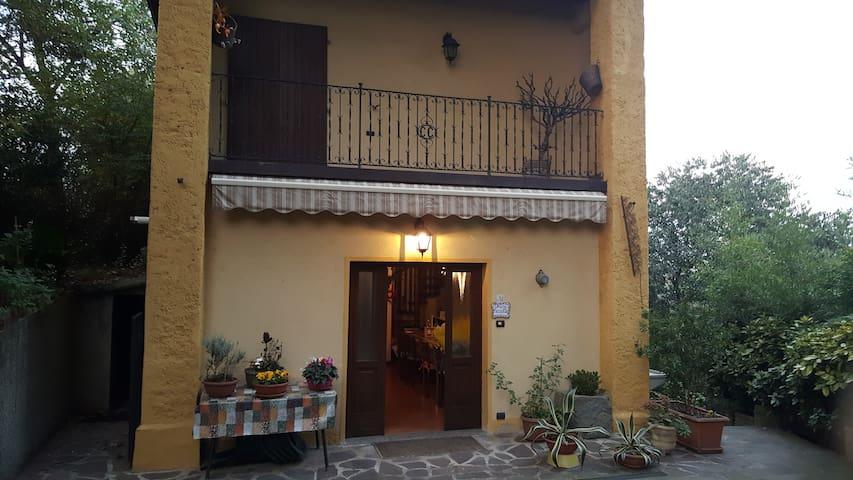 lo chalet di nonna Ninì - Castelli Calepio - กระท่อม