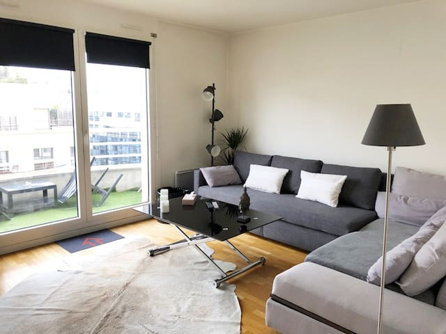 Appartement moderne près  Défense et Paris parking