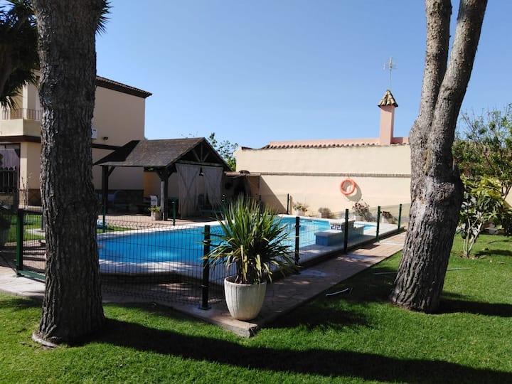 Chalet rural con piscina privada Bella Sombra