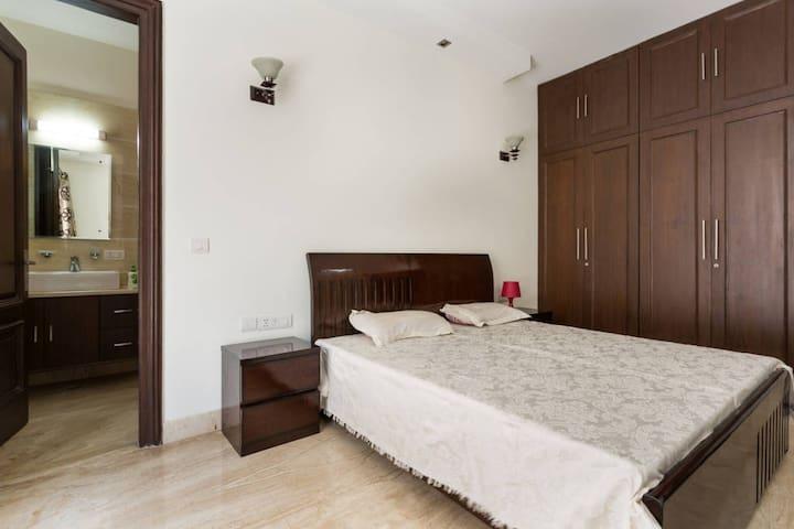 New apartment DLF Phase 2, Gurgaon