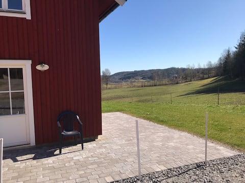 Boende på landet mellan  Göteborg o Borås.