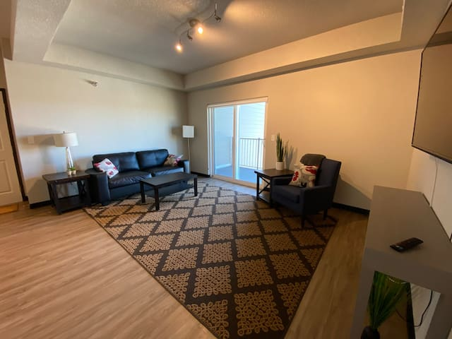 New Construction 2Bed/2Bath Condo in Independence