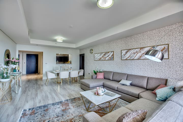 Luxurious 2BR | Direct Beach Access | theBest View