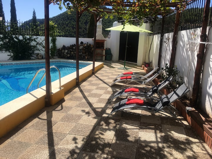 Villa with 4 bedrooms in Granada, with wonderful mountain view, private pool, enclosed garden - 30 km from the beach