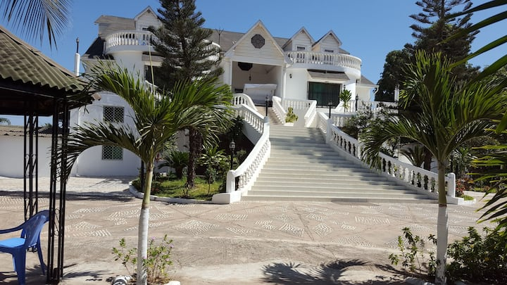 #1 Princess apartments 230 mt to senegambia strip