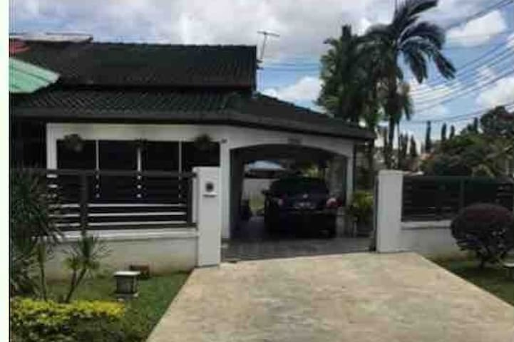 Tabuan Jaya Homestay - Entire Private House