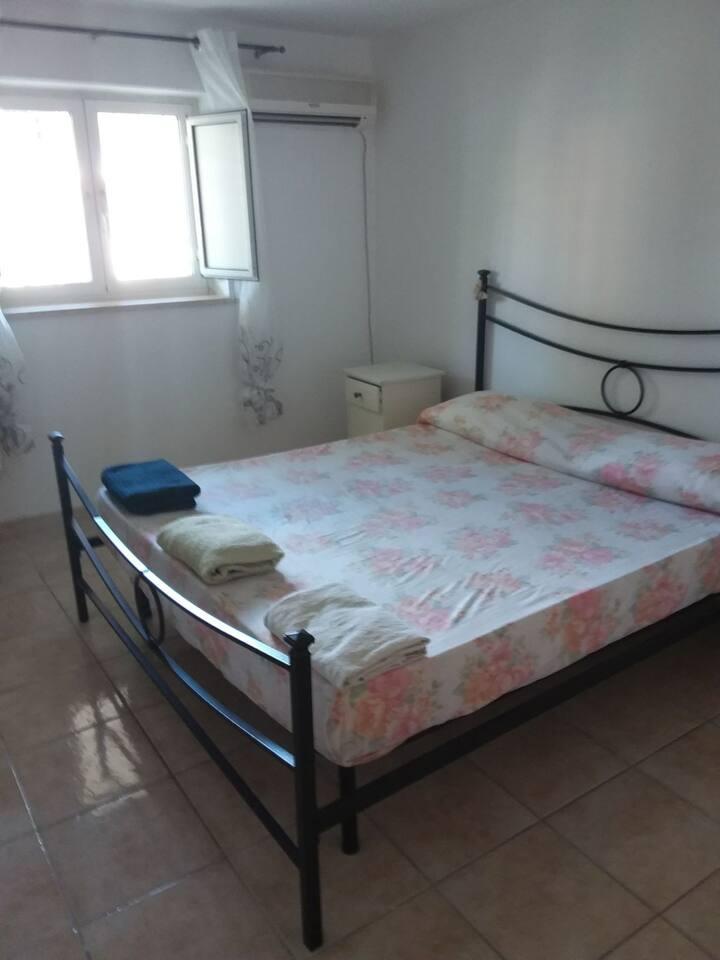 Piccolo appartamento piano terra roma nord
