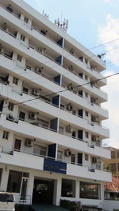 MoPunt Plaza apartments