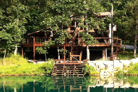 Perfect Getaway on Private Lake! - Wright City - 小木屋