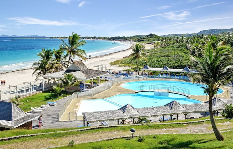 Two bedrooms apartment offers amazing views of Orient Beach, Saint-Martin - SAINT-MARTIN