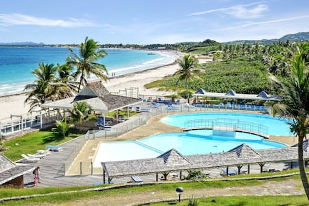 Two bedrooms apartment offers amazing views of Orient Beach, Saint-Martin - SAINT-MARTIN - Apartamento