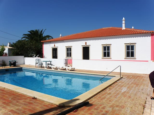 Rustic House 3, shared swimming pool & barbecue - Guia - House