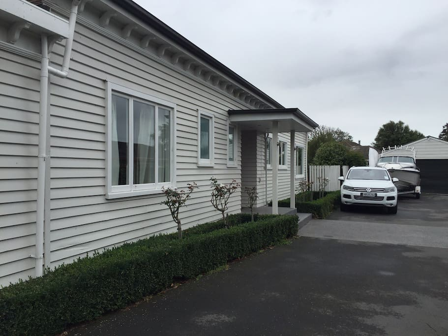 a warm and welcoming house h user zur miete in christchurch canterbury neuseeland. Black Bedroom Furniture Sets. Home Design Ideas