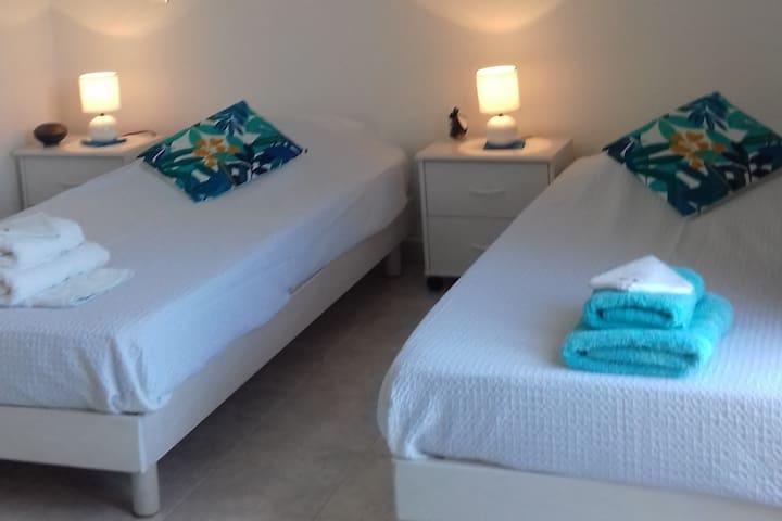 Chambre lits séparés au choix..;