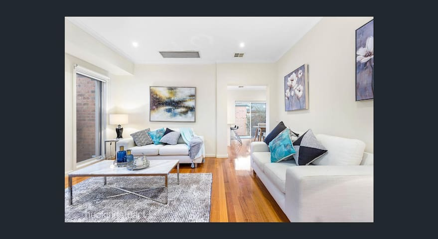 Modern three bedroom house in heart of Balwyn