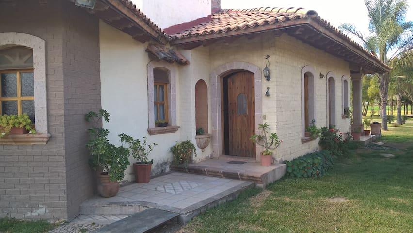 Casa de Campo ideal para familias grandes - Mascota - Casa