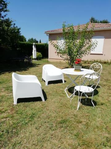 Maison individuelle avec jardin au calme