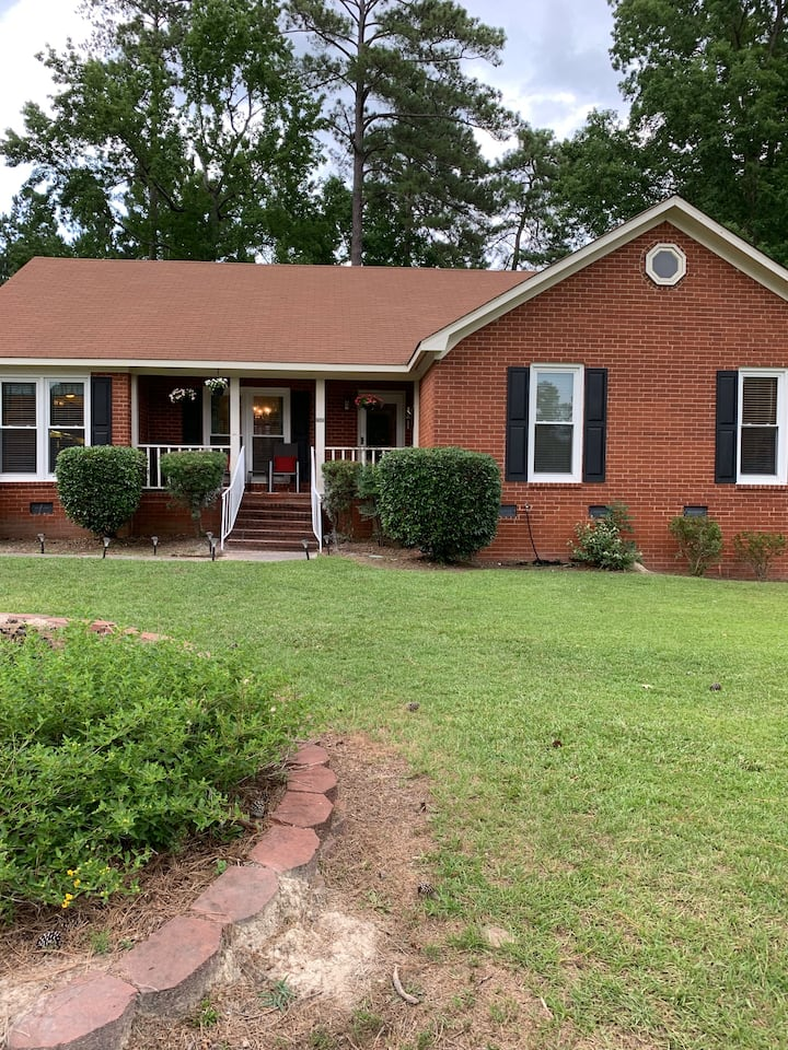 Great Masters rental home less than 5 miles away!