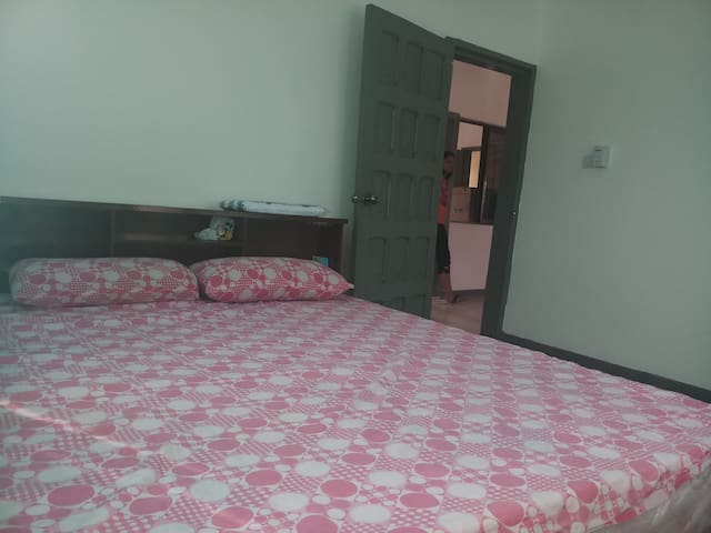 Charming House - Single Bedroom with AC