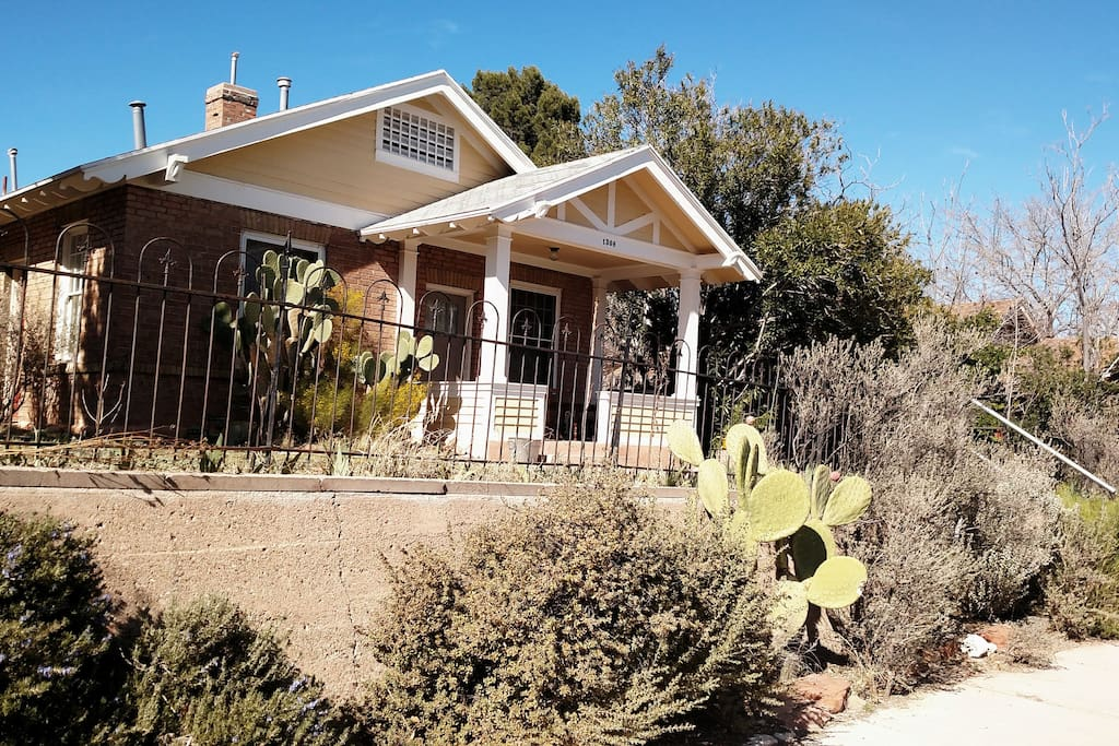 1915 historic bungalow with large yard
