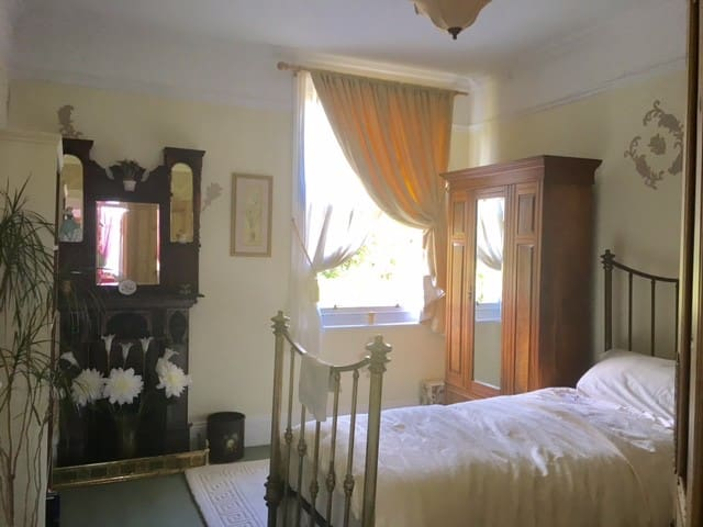 Bedroom No.2 - the stylish and cosy single room - all furniture is Edwardian
