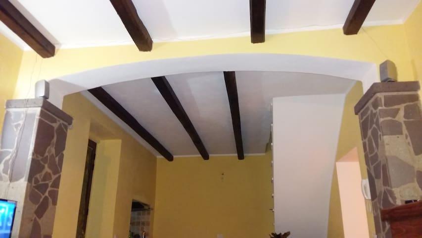 Camere confortevoli in casa singola - Ghilarza - House