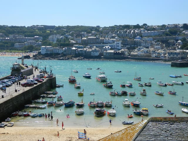 Harbourside Stunning 3 Bed house w Panoramic Views - Saint Ives - Apartment