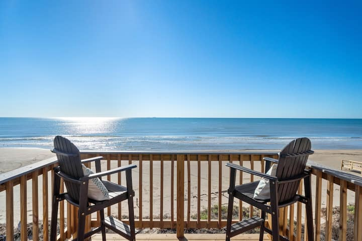 Surfside VIP:Perfect Beachfront View At Your Feet!