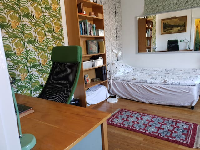 Tropical bedroom in Gothenburg Center