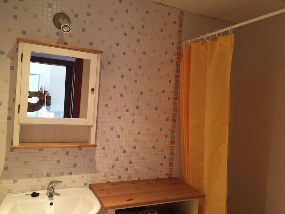 Baño con bañera / bathroom with bath