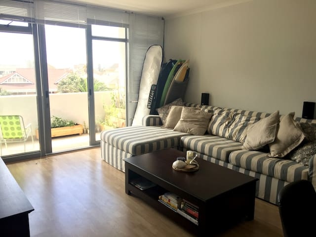 Surfers Corner 30 sec Walk to Beach - Cape Town - Apartmen