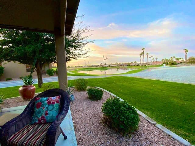 Paradise in Sun Lakes! AZ sunsets & water views