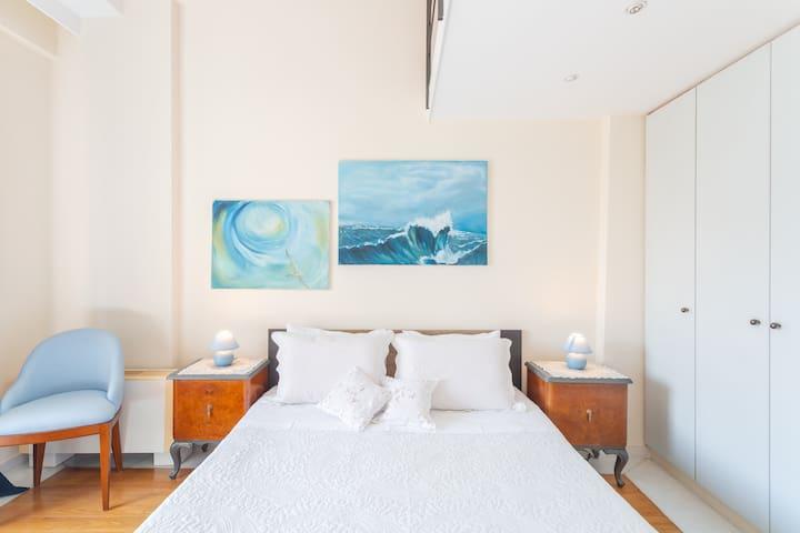 Blueroom King size Bed