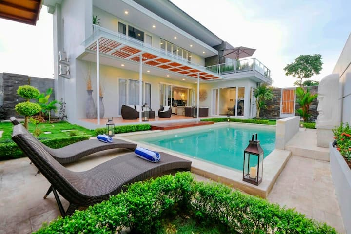 Villa Arusha Jogja; a private pool villa.