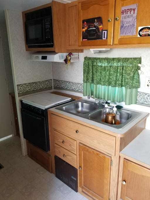 kitchen sink stove freezer  refrigerator