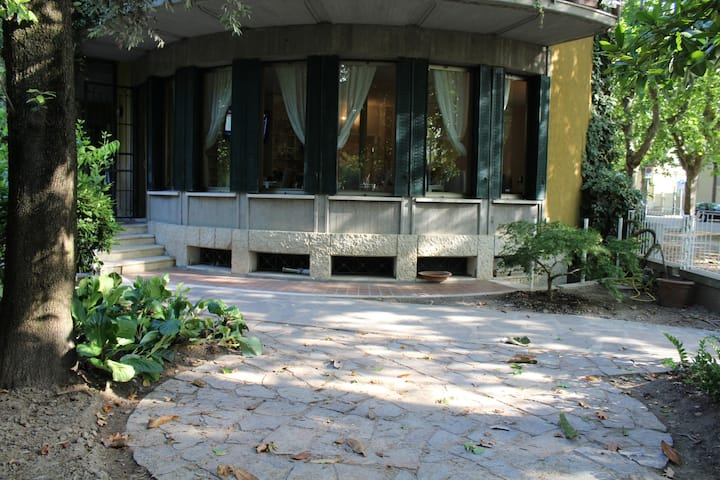 Villa alighieri 1