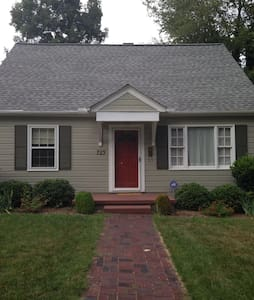 cottage home near downtown - Winston-Salem - Rumah
