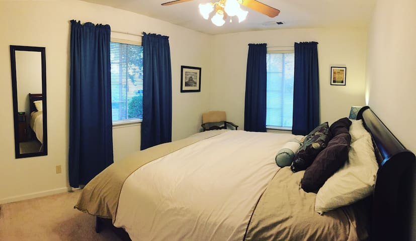 Angel Room with en suite - 3min from Bethel & I-5